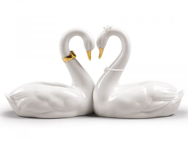 Lladro Endless Love (Golden Re-Deco) 01009304