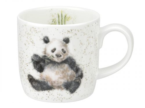 This is a adorable mug with a big beautiful fluffy panda snacking on some bamboo, an illustration with great detail and finesse. Size: 0.31L - 11fl.oz. By: Wrendale. Product Code: MMOF5629-XT.