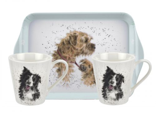 This set features two lovely illustrations of two dogs, the perfect gift for any dog lover.  Size: 0.18L Mug, 21 x 14cm Tray - 6.5fl.oz Mug, 8